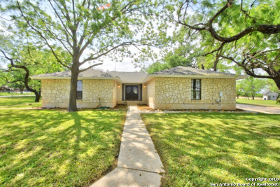 Floresville Single Family Home For Sale: 2408 B St
