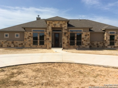 Atascosa County Single Family Home For Sale: 1720 Camden Ln