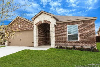 New Braunfels Single Family Home Back on Market: 221 Primrose Way