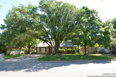 Live Oak Single Family Home For Sale: 219 Shin Oak Dr