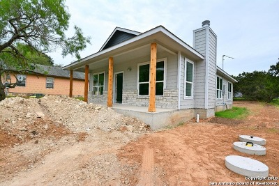 Canyon Lake Single Family Home For Sale: 2029 Blueridge Dr