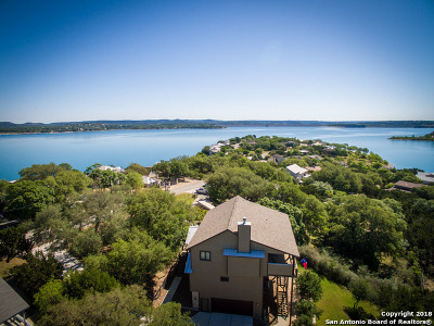 Canyon Lake Single Family Home For Sale: 1202 Janet Dr