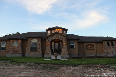 Comal County Single Family Home For Sale: 114 Sabella