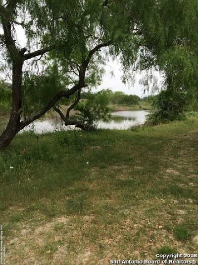 Atascosa County Residential Lots & Land For Sale: 906 Thomas Rd