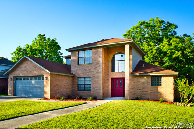 Guadalupe County Single Family Home For Sale: 152 Parkridge Circle