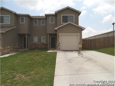 Converse Multi Family Home For Sale: 8702 Vista De Nubes