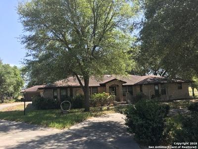 Wilson County Single Family Home For Sale: 202 Bluebonnet Ln