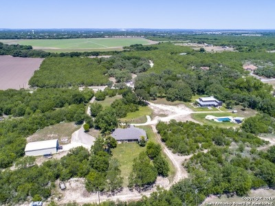 Uvalde Single Family Home For Sale: 412 Beaver Ln
