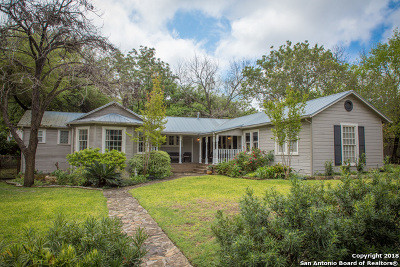 Alamo Heights Single Family Home For Sale: 218 E Oakview Pl