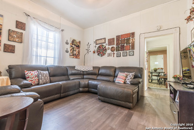 Single Family Home Price Change: 702 Carolina St