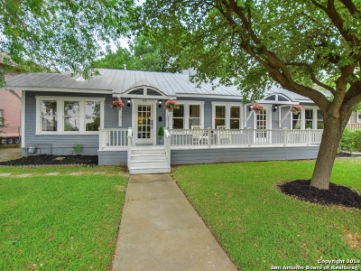 Monte Vista Single Family Home For Sale: 503 E Huisache Ave