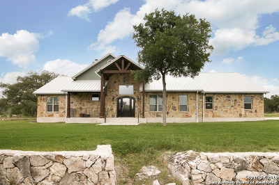 New Braunfels Single Family Home Active RFR: 371 Summer Glen Ln