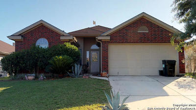 Schertz Single Family Home For Sale: 3945 Whisper Fld