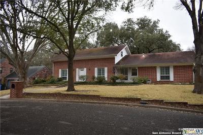 Seguin Single Family Home New: 104 W Hampton Dr