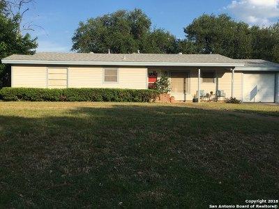 Medina County Single Family Home New: 601 Mockingbird Ln