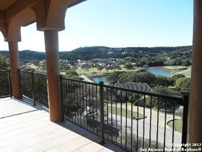 Boerne Single Family Home For Sale: 107 Antelope Hill