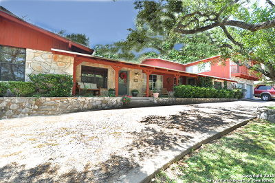 San Antonio Single Family Home For Sale: 204 Meadowbrook Dr