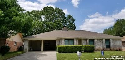 Universal City Single Family Home New: 117 Clear Oak