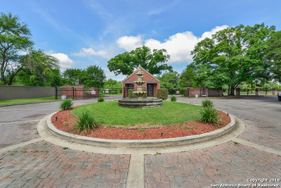 San Antonio Condo/Townhouse New: 7930 Roanoke Run #703