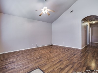 San Antonio TX Single Family Home New: $137,000