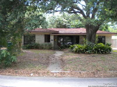 Floresville Single Family Home New: 227 Northridge Dr