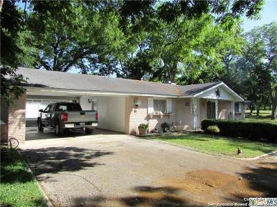Seguin Single Family Home New: 2257 Manor Dr
