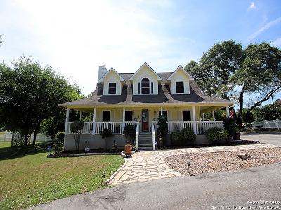 Canyon Lake Single Family Home For Sale: 670 Rainbow Ridge