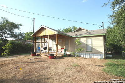 Floresville Single Family Home New: 1310 S 4th St