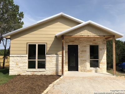 Comal County Single Family Home New: 1054 Diamondhead Dr