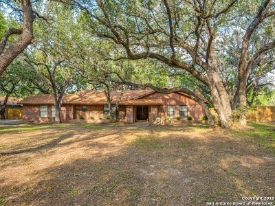 Atascosa County Single Family Home For Sale: 102 Crestline Dr