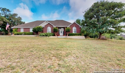San Marcos Single Family Home For Sale: 301 Woodland Trail