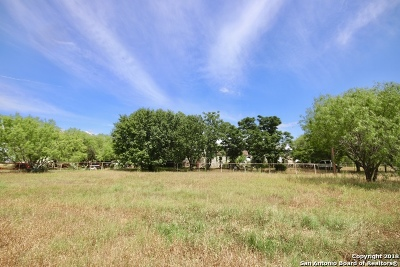 Floresville TX Residential Lots & Land For Sale: $149,900