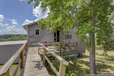Canyon Lake Single Family Home For Sale: 2920 Skyline Dr