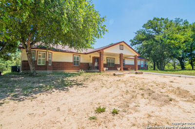 Floresville Single Family Home Price Change: 2593 County Road 320