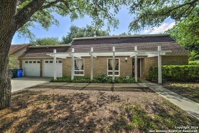 Seguin Single Family Home For Sale: 115 W Hampton Dr