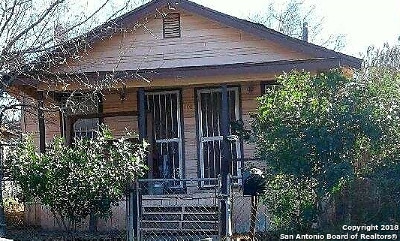 San Antonio Single Family Home For Sale: 208 Lucas St