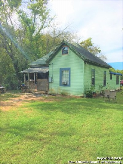 Floresville Single Family Home For Sale: 244 County Road 146