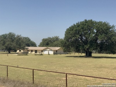 Atascosa County Single Family Home For Sale: 60 Wisdom Rd