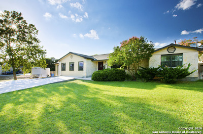 Boerne Single Family Home For Sale: 232 Deer Creek Dr