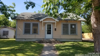 Guadalupe County Single Family Home For Sale: 608 E Mountain St