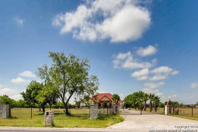 San Antonio Single Family Home For Sale: 2043 Grosenbacher Rd