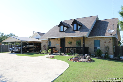 Atascosa County Single Family Home For Sale: 14531 Chance Dr