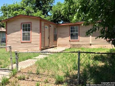 Single Family Home For Sale: 2723 Roselawn Rd