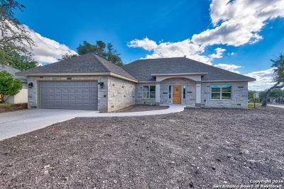 Kerrville Single Family Home For Sale: 1809 Chalet Circle