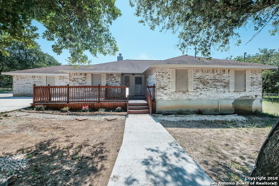 Floresville TX Single Family Home For Sale: $274,990