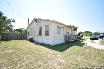 Lakehills TX Single Family Home Active Option: $129,900