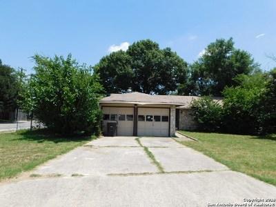 Single Family Home For Sale: 2702 Lakedon Street