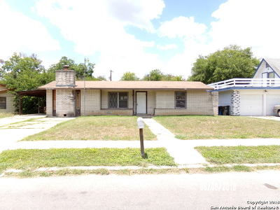 Bexar County, Comal County, Guadalupe County Single Family Home For Sale: 7831 Bronco Ln