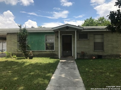 Single Family Home For Sale: 2614 Frontier Dr