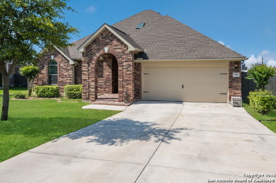 Schertz Single Family Home For Sale: 1109 Gwendolyn Way